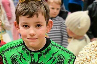 Tre af børnene der deltog i fastelavnsfesten